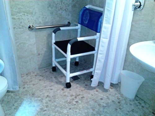 Shower with wet chair